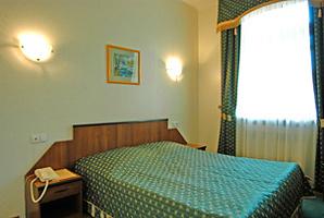 Бронирование номера в Алтай в Москве.  Цены на проживание в гостинице Алтай.  Как добраться до гостиницы Алтай.